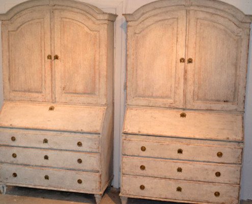 Similar Gustavian cupboards